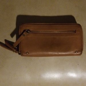 LUCKY BRAND ZIP AROUND LEATHER WALLET
